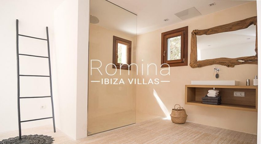 romina-ibiza-villas-rv707-villa-acacia-5shower room2