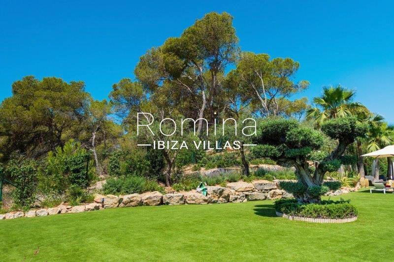 romina-ibiza-villas-rv707-villa-helios-2garden trees