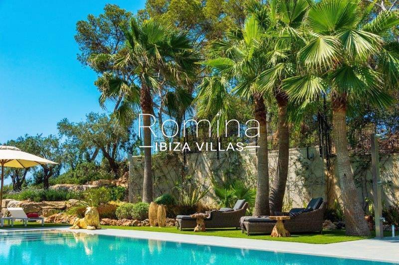 romina-ibiza-villas-rv707-villa-helios-2pool garden2