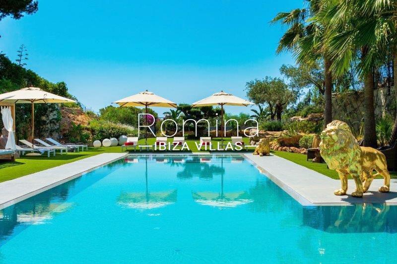 romina-ibiza-villas-rv707-villa-helios-2pool garden3