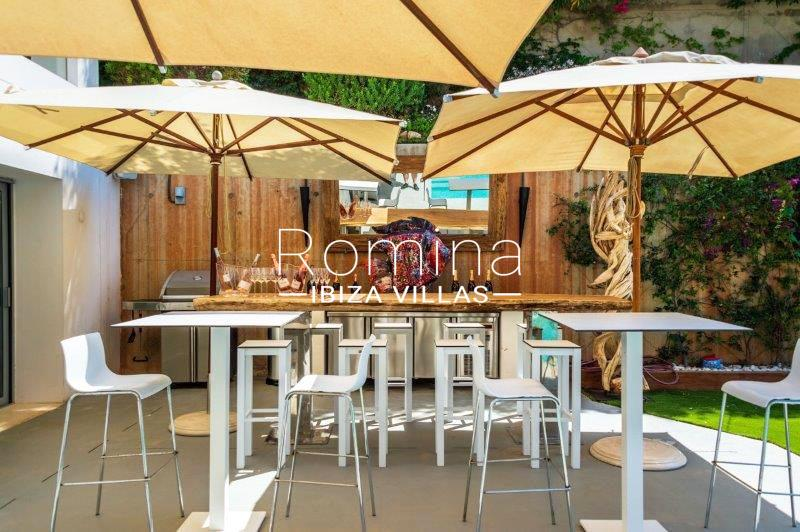 romina-ibiza-villas-rv707-villa-helios-2terrace outdoor kitchen2