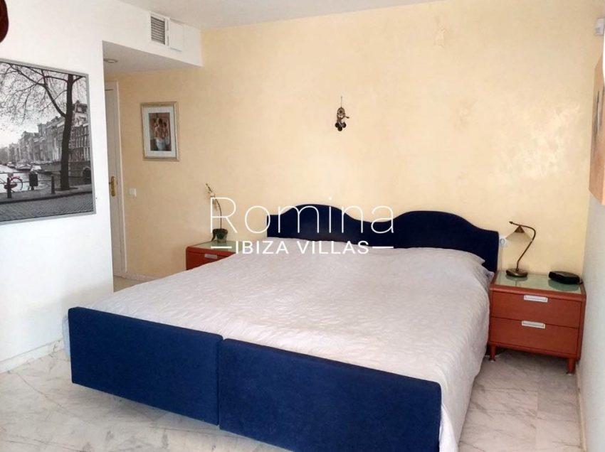 romina-ibiza-villas-rv709-apto-bossa-terraza-4bedroom