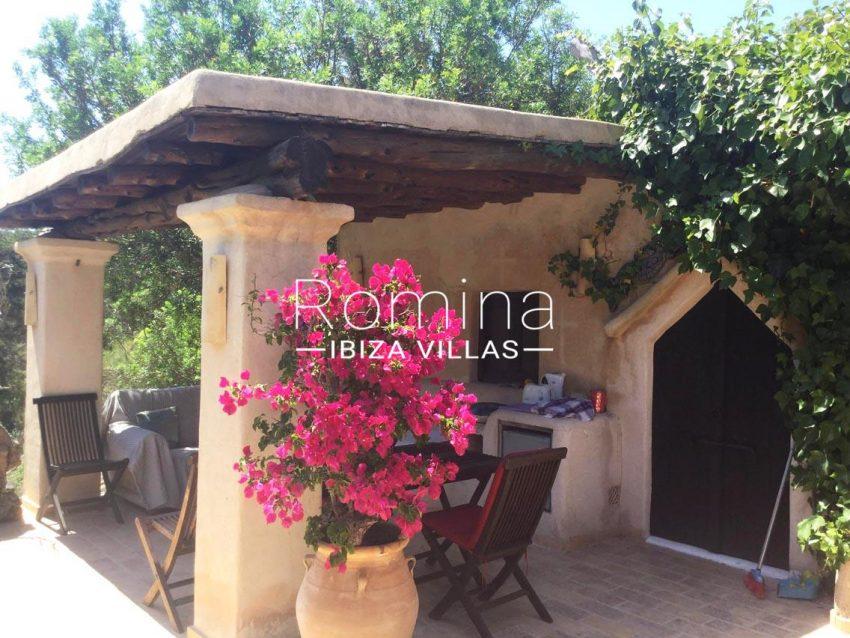 romina-ibiza-villas-rv714-casa-coll-2porch2 bouganvillea