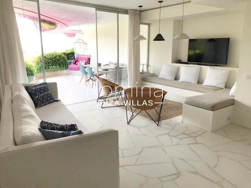 romina-ibiza-villas-rv-717-apto-las boas-3living room