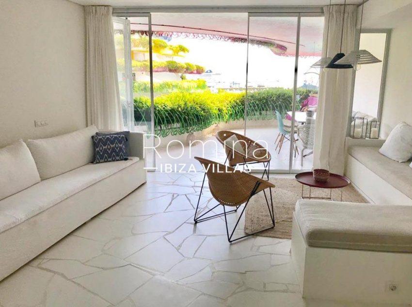 romina-ibiza-villas-rv-717-apto-las boas-3living room terrace