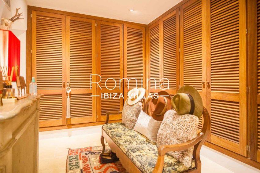 romina-ibiza-villas-rv-717-villa-fidji-3zvestidor