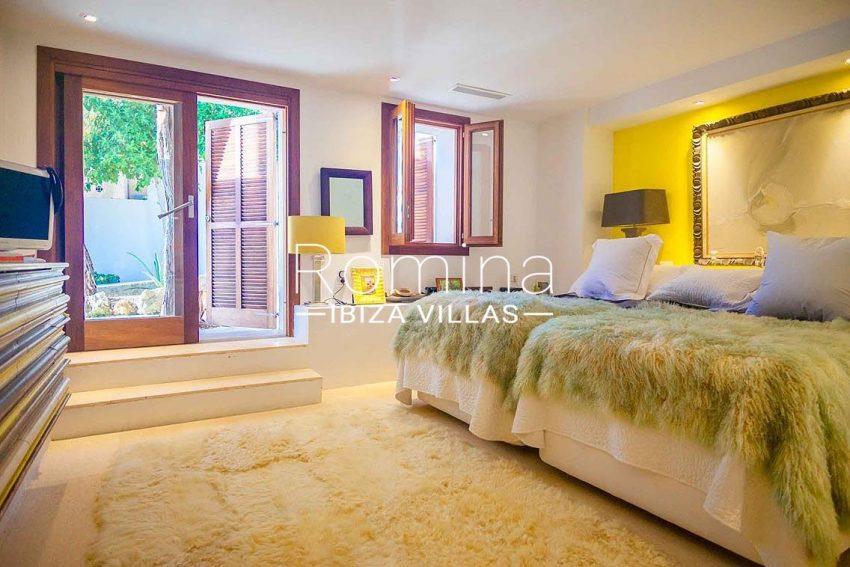 romina-ibiza-villas-rv-717-villa-fidji-4bedroom1bis