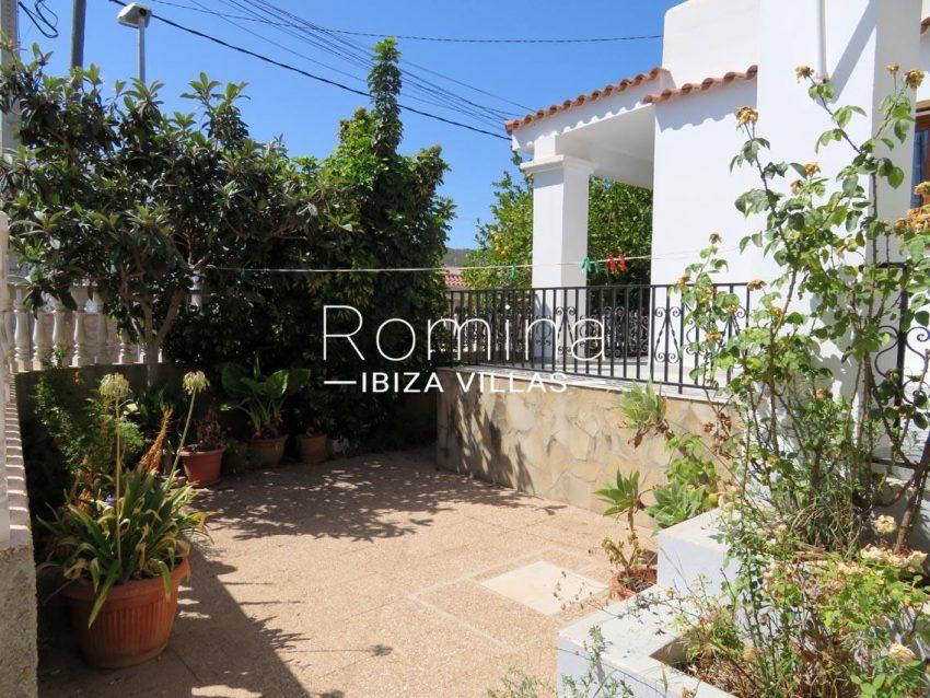 romina-ibiza-villas-rv720-casa-adelfa-2patio
