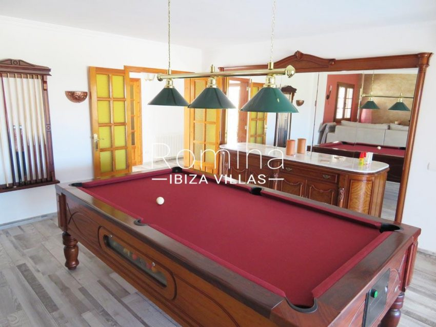 romina-ibiza-villas-rv720-casa-adelfa-3 living room billiard table