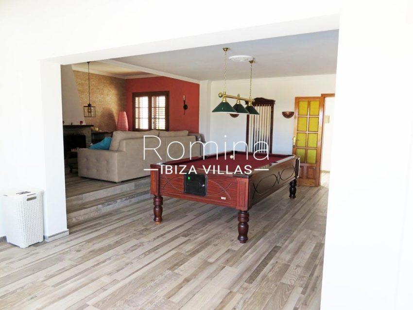 romina-ibiza-villas-rv720-casa-adelfa-3iving room billiard2
