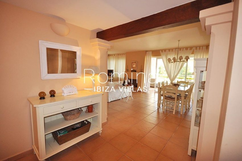 romina-ibiza-villas-rv723-apto-cory-3entrance living dining room
