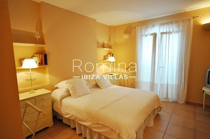 romina-ibiza-villas-rv723-apto-cory-4bedroom
