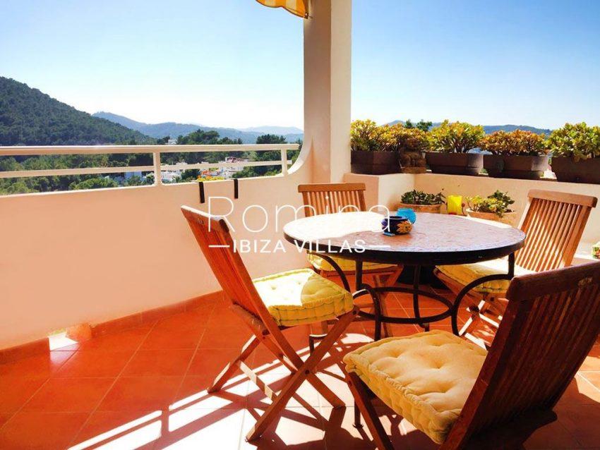 romina-ibiza-villas-rv724-apto-sol-1terrace view hills