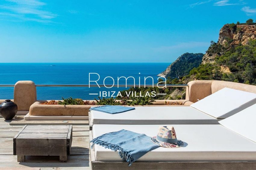 romina-ibiza-villas- rv85-can-ella-1terrace lounge beds sea view