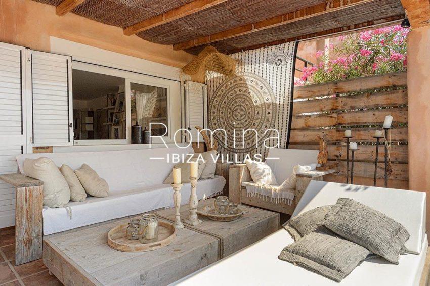 romina-ibiza-villas- rv85-can-ella-2terrce living ara