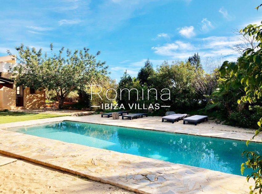 romina-ibiza-villas-rv-725-56-villa-zinia-2pool terraces2