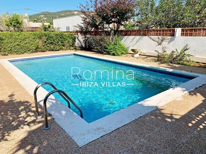 romina-ibiza-villas-rv-729-casa-lirio-2pool terraces