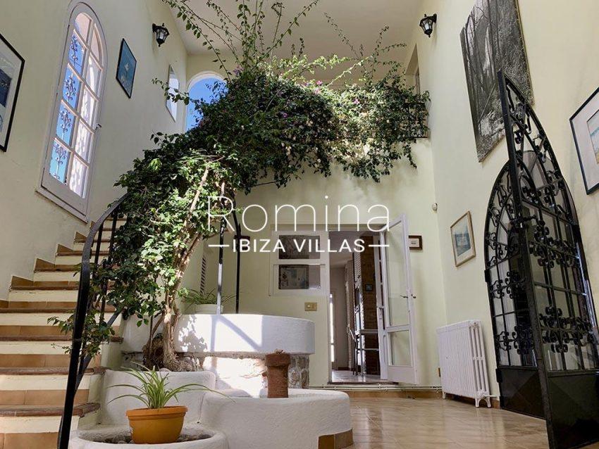 romina-ibiza-villas-rv-729-casa-lirio-3entrance hall