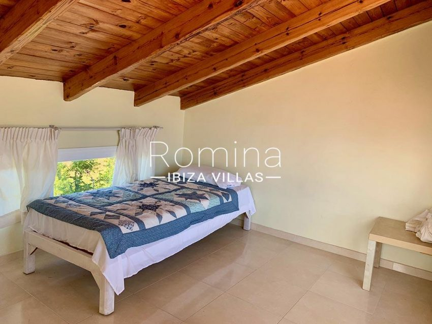 romina-ibiza-villas-rv-729-casa-lirio-4bedroom attic