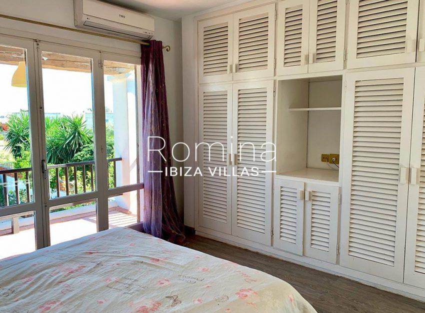 romina-ibiza-villas-rv-729-casa-lirio-4bedroom upstairs1bis