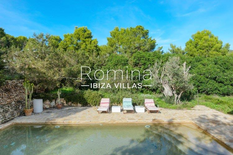 romina-ibiza-villas-rv-731-can-galia-2pool garden