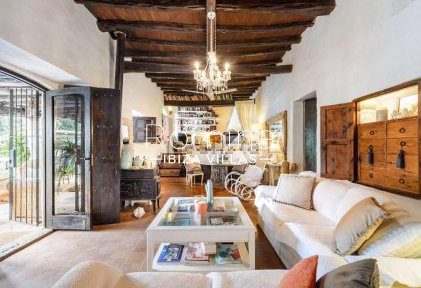 romina-ibiza-villas-rv-731-can-galia-3living dining room