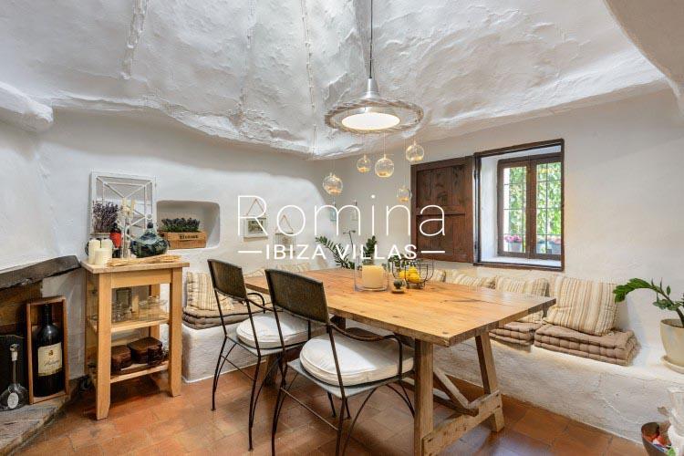 romina-ibiza-villas-rv-731-can-galia-3sitting area fireplace2