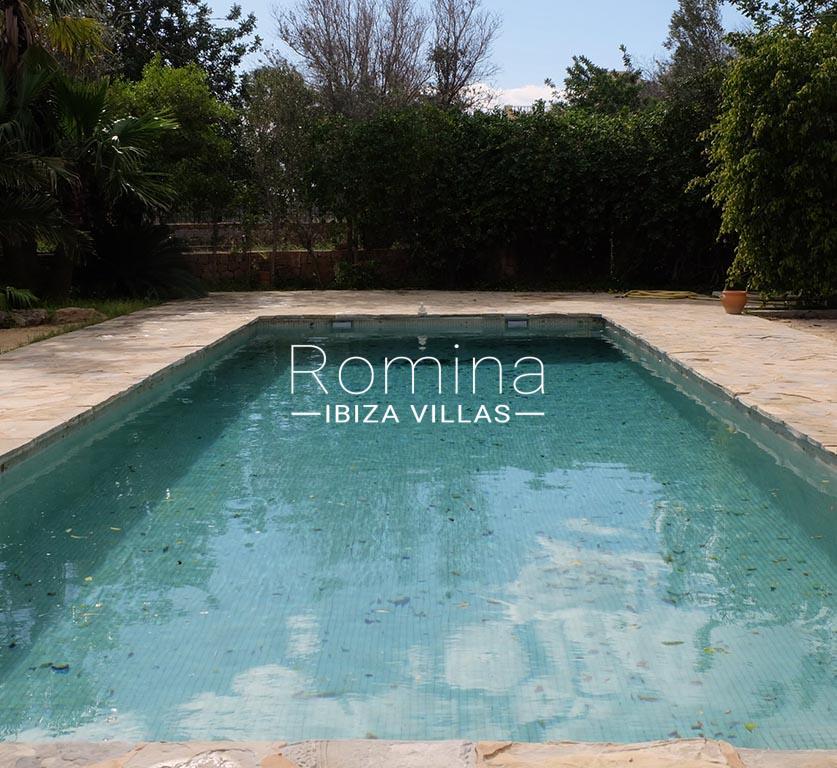 romina-ibiza-villas-rv725-2pool2