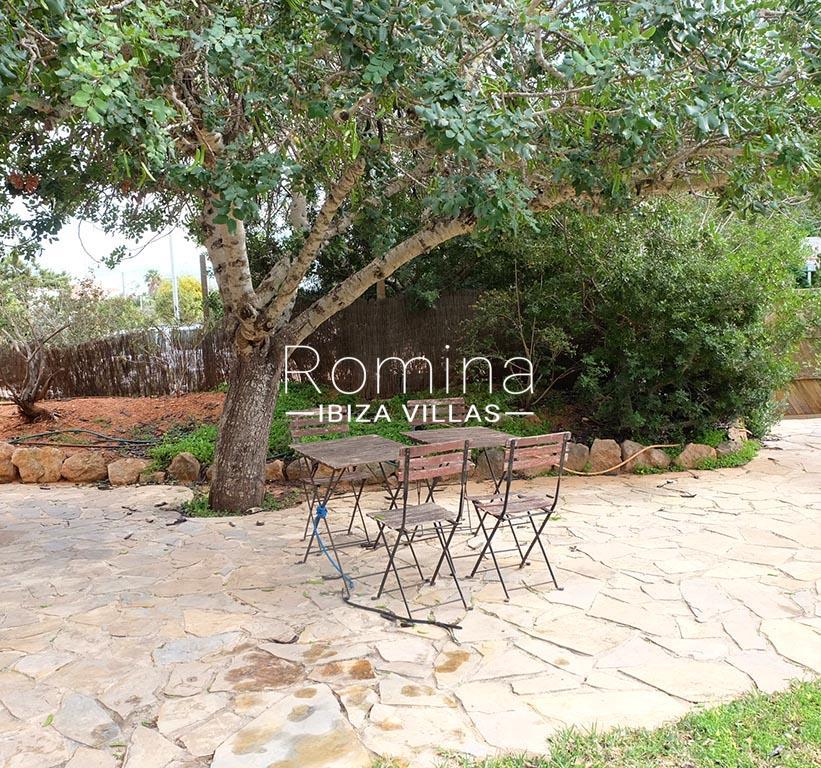 romina-ibiza-villas-rv725-villa-zinia-2terrace garden