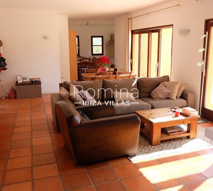 romina-ibiza-villas-rv725-villa-zinia-3lkiving room