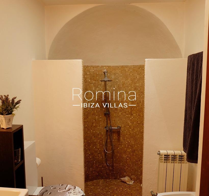 romina-ibiza-villas-rv725-villa-zinia-5sower room