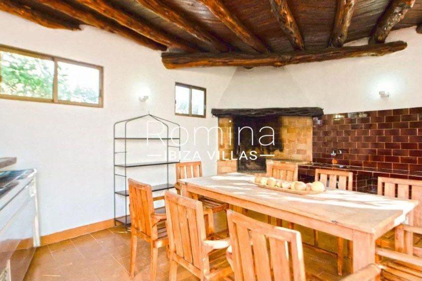 romina-ibiza-villas-rv-738-81-can-alegria-2porch outdoor kitchen BBQ2