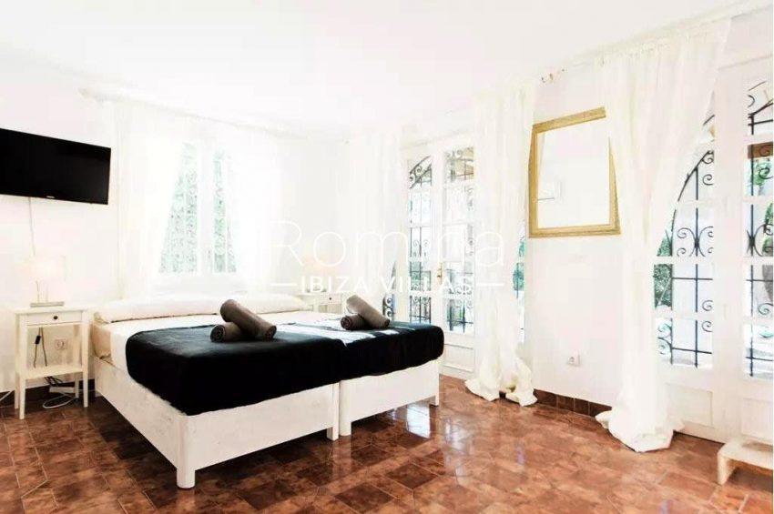 romina-ibiza-villas-rv-738-81-can-alegria-4bedroom2bis
