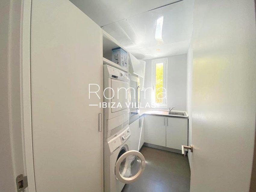 romina-ibiza-villas-rv-742-50-apto-cami-3zlaundry room