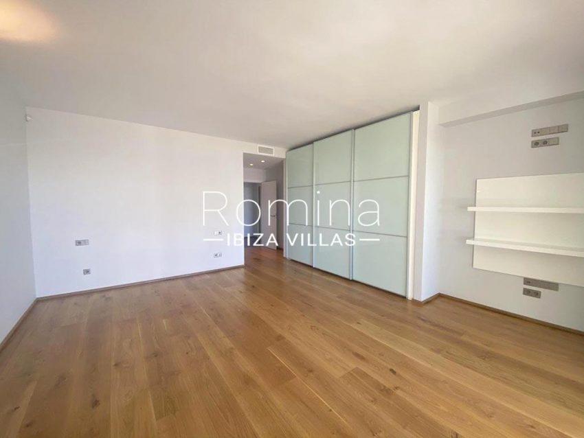 romina-ibiza-villas-rv-742-50-apto-cami-4master bedroom2