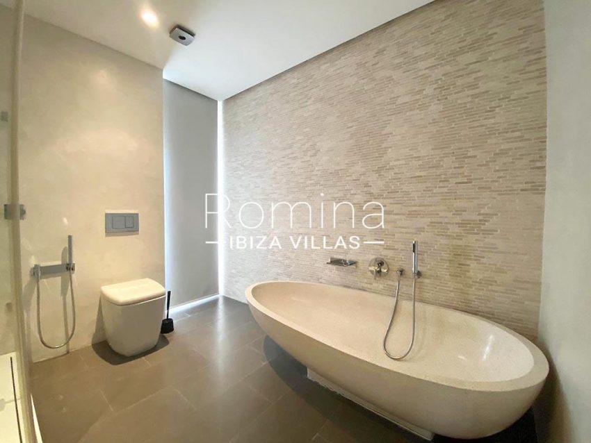 romina-ibiza-villas-rv-742-50-apto-cami-5bathroombis
