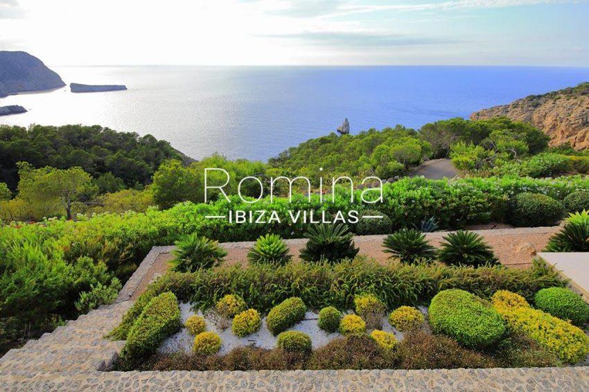 romina-ibiza-villas-rv-744-01-villa-deus-1garden sea view