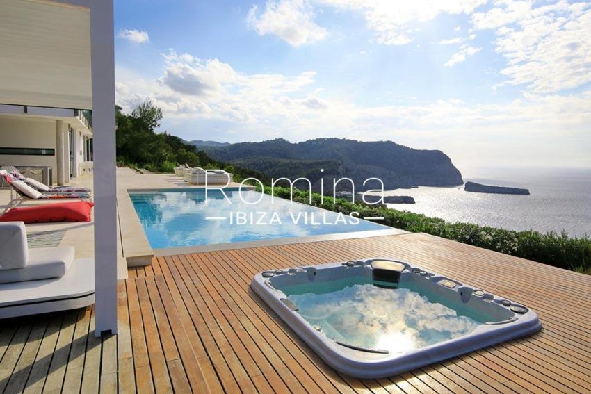 romina-ibiza-villas-rv-744-01-villa-deus-1terrace jacuzzi sea view