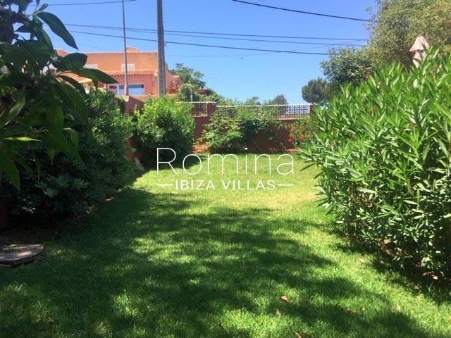 romina-ibiza-villas-rv-745-01-casa-gina-2garden2