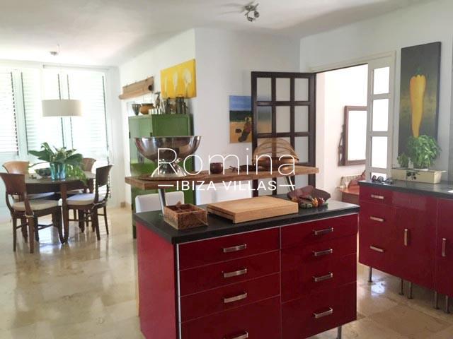 romina-ibiza-villas-rv-745-01-casa-gina-3zkitchen dining area