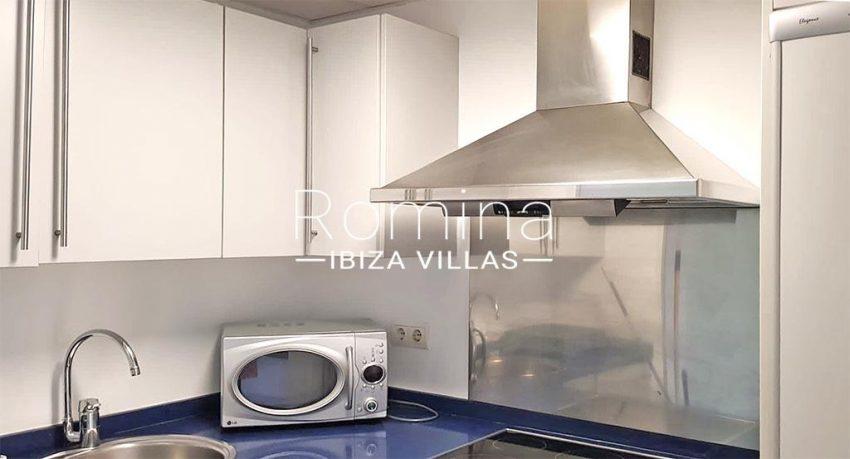romina-ibiza-villas-rv734-apto-miramar-paseo1-3zkitchen