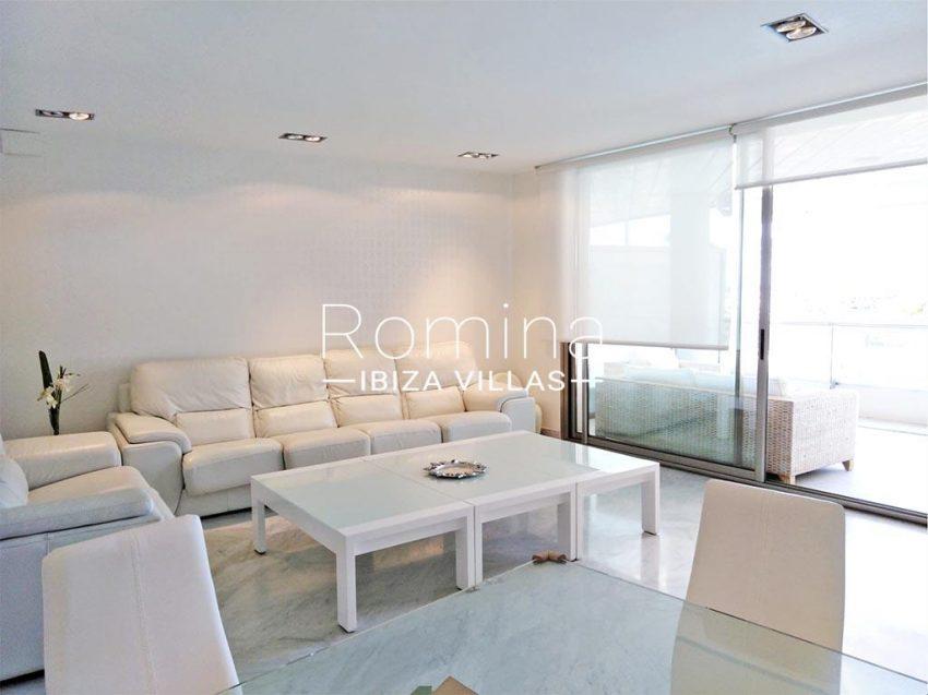 romina-ibiza-villas-rv735-apto-miramar-paseo 2-3living room terrace