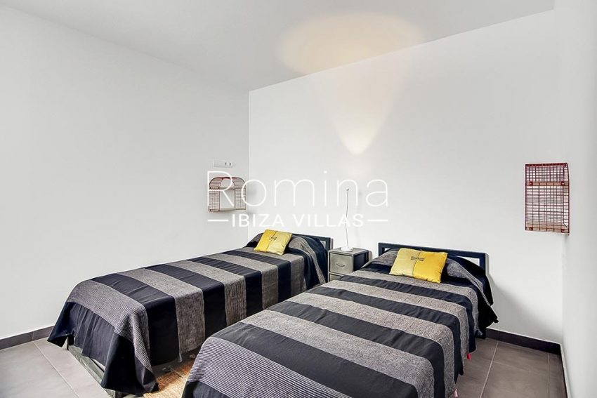 romina-ibiza-villas-rv747-51-casa lirio-4bedroom3 downstairs