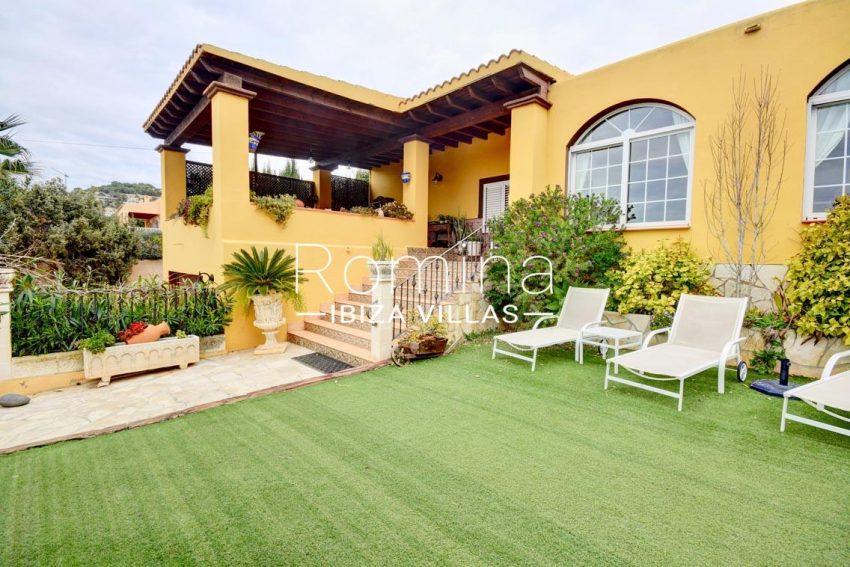 villa eva ibiza-2garden facade