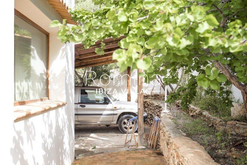 romina-ibiza-villas- rv-751-48- casa-lavanda-2carport