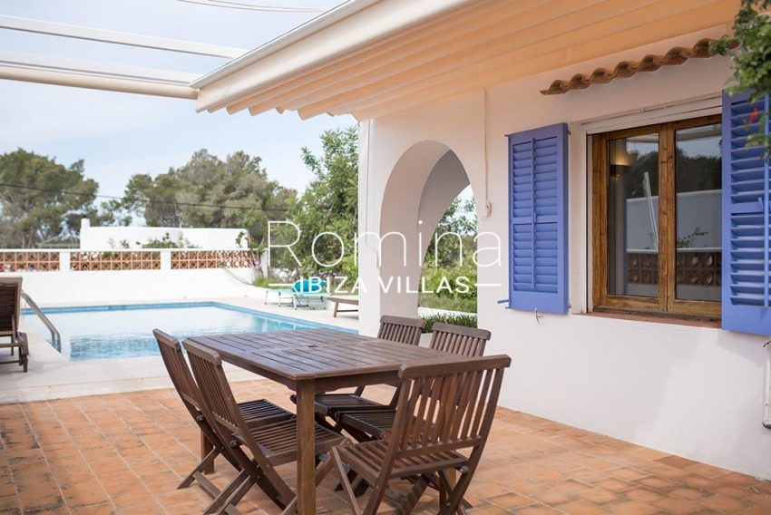 romina-ibiza-villas- rv-751-48- casa-lavanda-2terrace dining area4