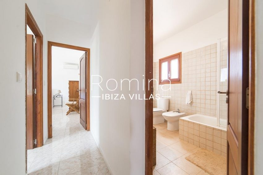 romina-ibiza-villas- rv-751-48- casa-lavanda-5bathroom