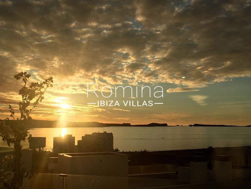 romina-ibiza-villas-rv-752-55-apto-solis-1sunset4