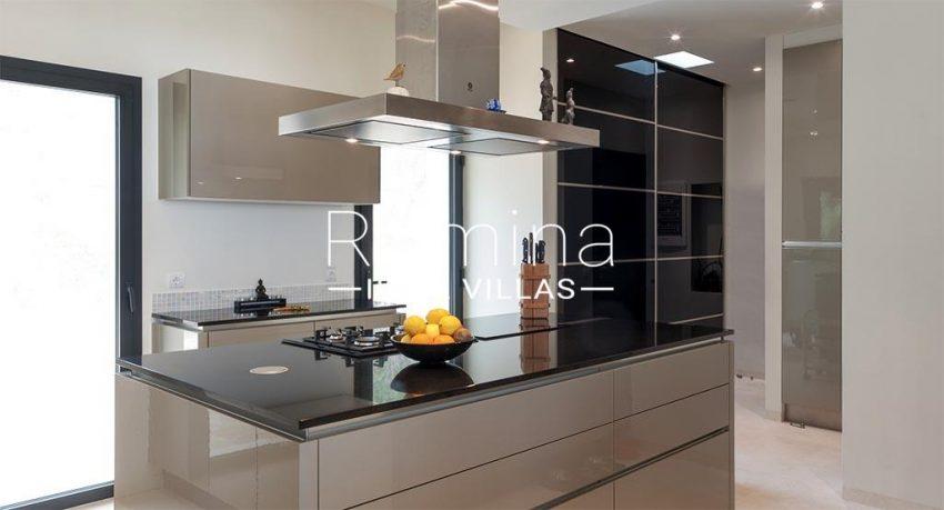 romina-ibiza-villas- rv-753-27-villa-atenea-3zkitchen2