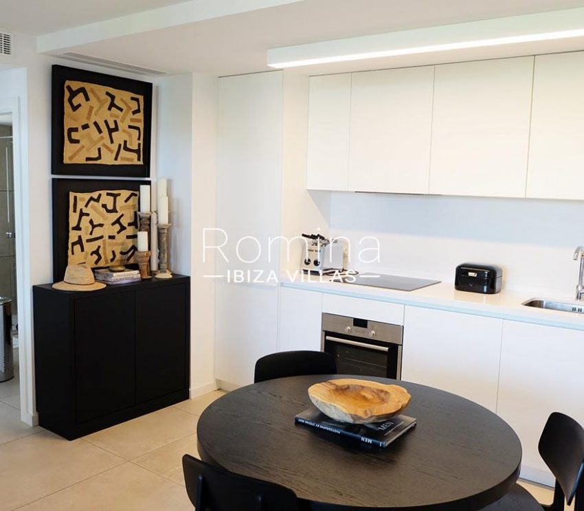 romina-ibiza-villas-rv-756-56-apto-beach-3zkitchen dining area